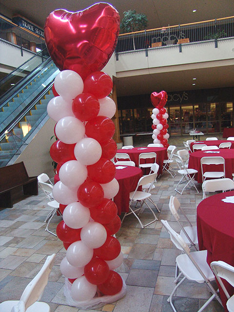 valentines-day-balloon-sculptures-1